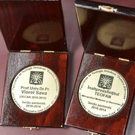 Gravură medalie în cutie din lemn