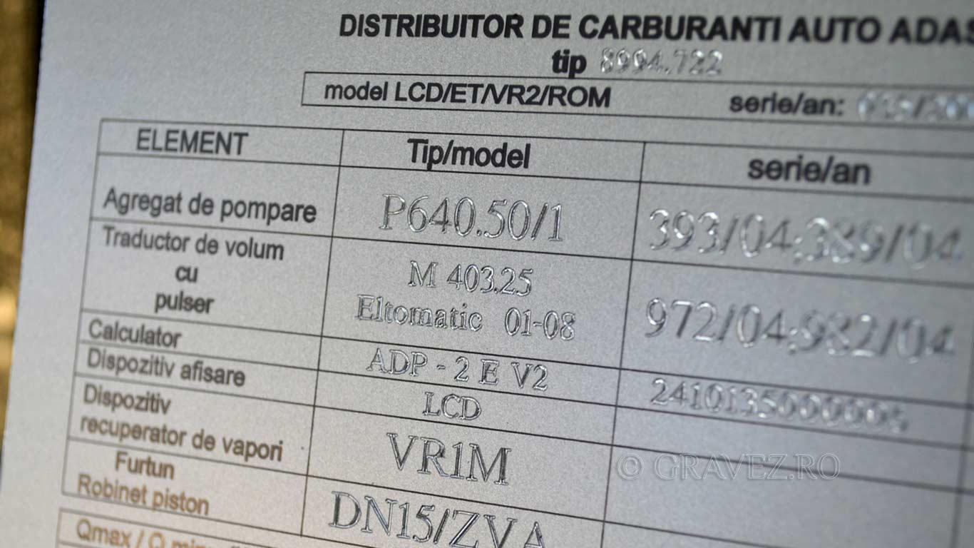 marcare-laser-si-gravura-cu-diamant-placa-pentru-pompa-benzina pentru industrial din metal