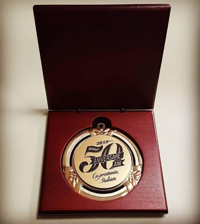 Gravură medalie 50 ani