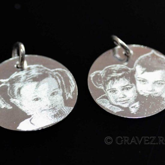 pandante de argint gravate cu fotografii
