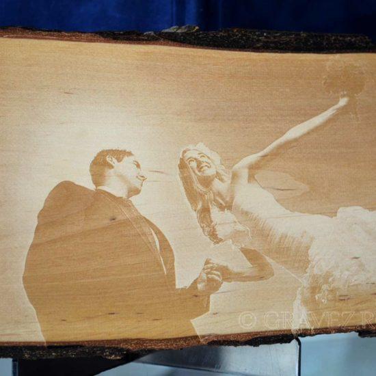 fotogravura pe lemn cu miri