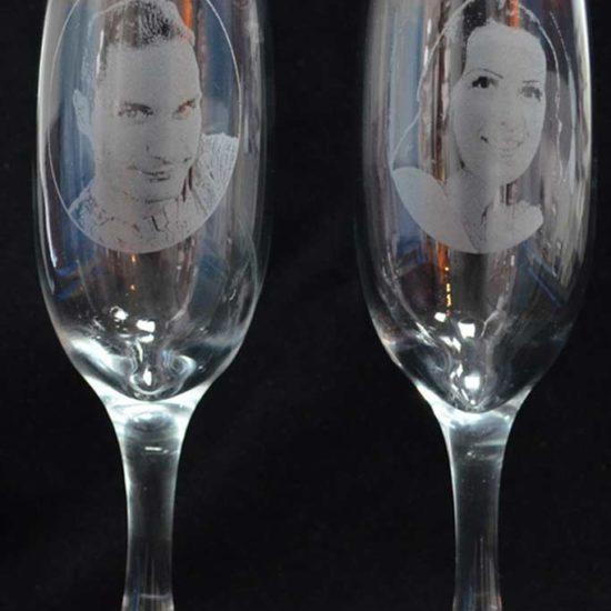 pahare-gravate-cu-fotografii-miri din sticla pentru nunta