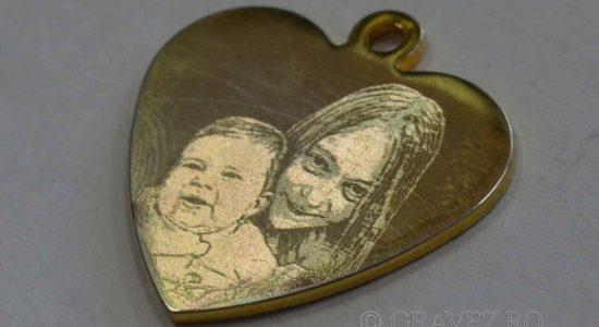 fotogravura pandantiv-din-aur-cu-fotogravura-mecanica pentru bijuterii din metal