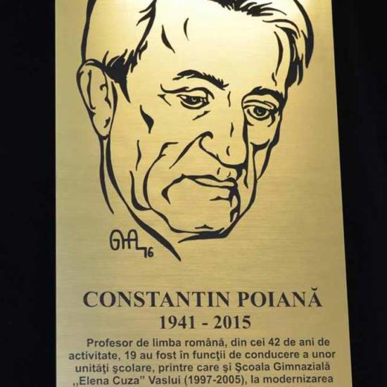 gravura placa_comemorare_profesor_director din materiale speciale pentru semnalistica